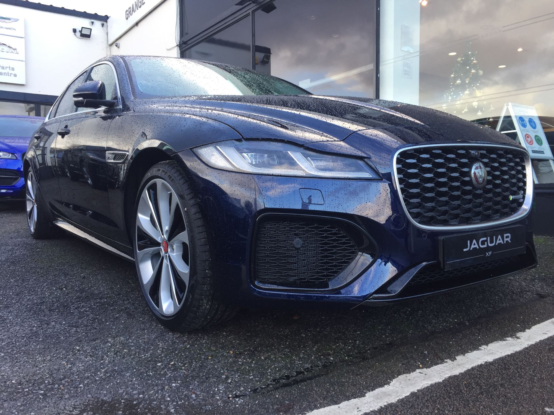 Jaguar XF 2.0 P250 R-Dynamic HSE Automatic 4 door Saloon
